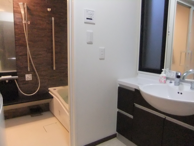 【お悩み解決】洗面所が狭い!リフォームに必要な費用は?