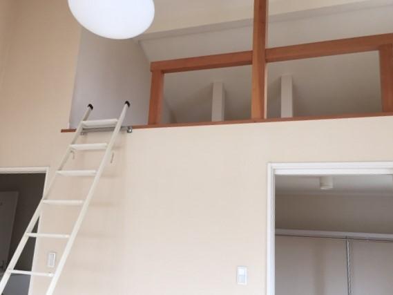 ロフトをより快適に!はしごを階段に変えるリフォーム